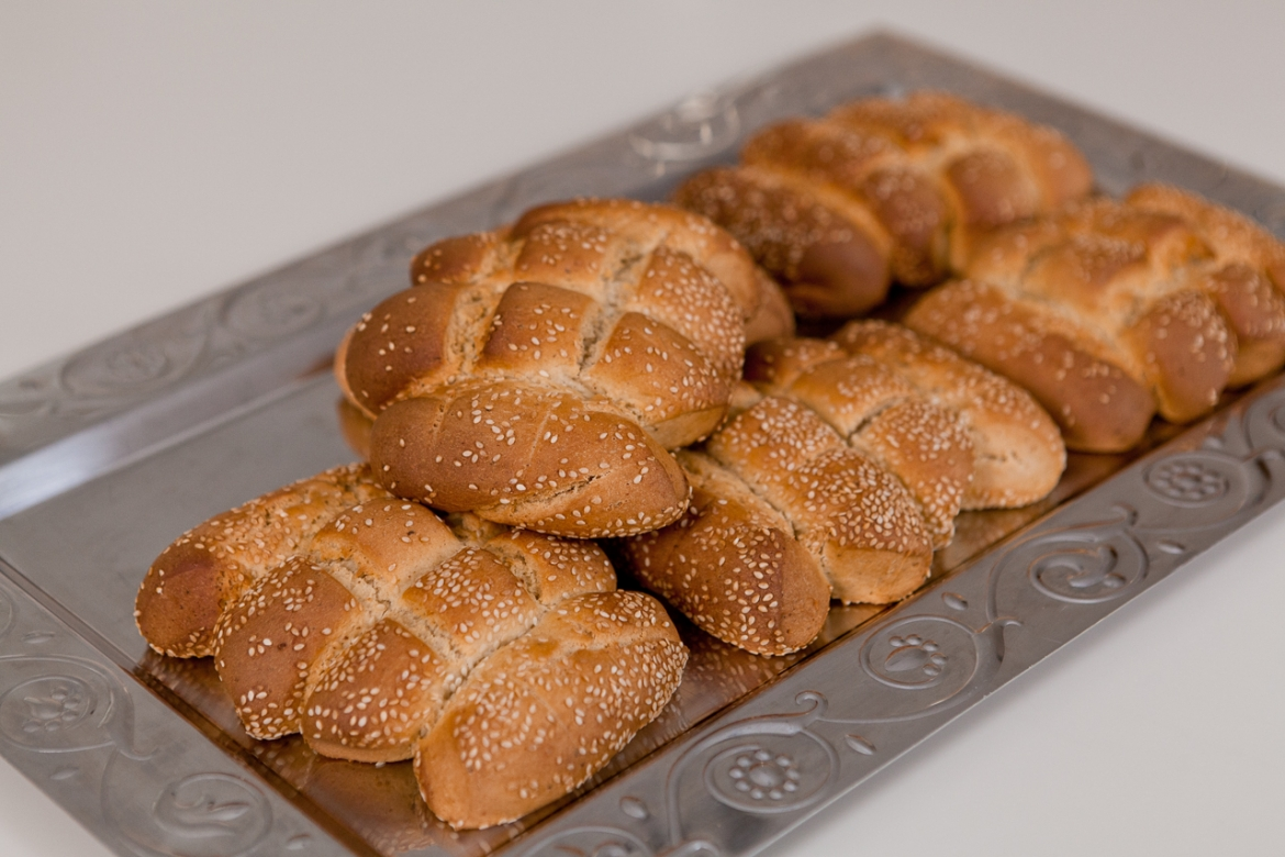 «Karpasitika Koulouri» Easter bread