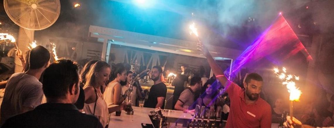 Cherry Beach Bar, пляжный бар Cherry в Ларнаке
