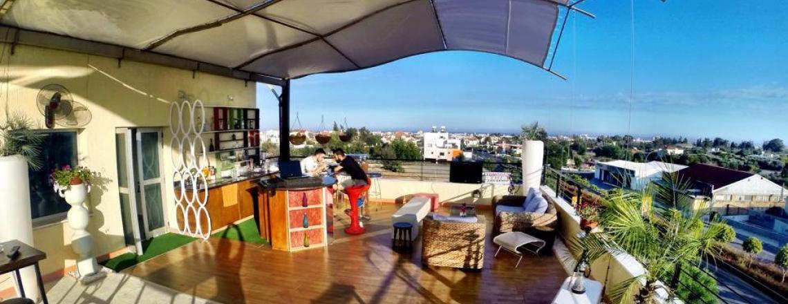 Кафе на крыше ROOF CAFE в Лимассоле