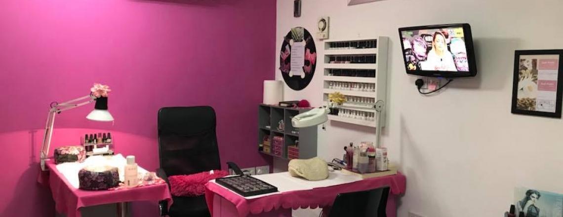 Маникюрный салон Just Nails by Christy в Ларнаке