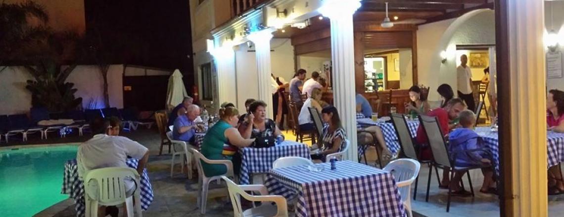 Ресторан в отеле Tsialis Hotel Apartments в Ларнаке