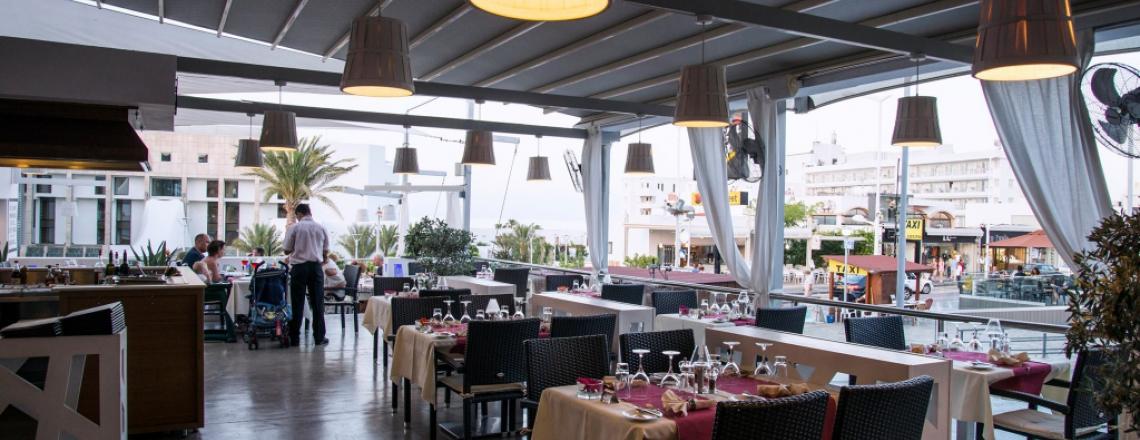 The Corner Flambe Restaurant, ресторан «Корнер» в Протарасе