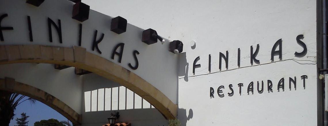 Finikas Restaurant, Polis